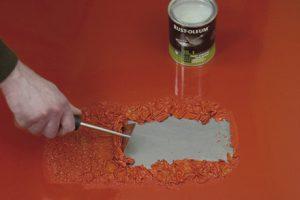usuwanie-starych-farb-rust-oleum
