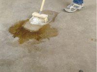Preparaty do czyszczenia i odtłuszczania podłoża
